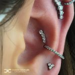 Small Prium in the Conch surrounded by Swarovski Zirconia