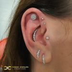 Perfect fit for this Swarovski cluster in the Conch